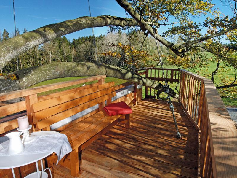 tree house hotel allg u hochkant. Black Bedroom Furniture Sets. Home Design Ideas